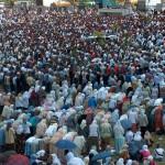 2005 Srebrenica 09 Sr molitva